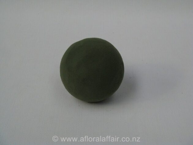 Floral Foam Sphere 9 cm wet